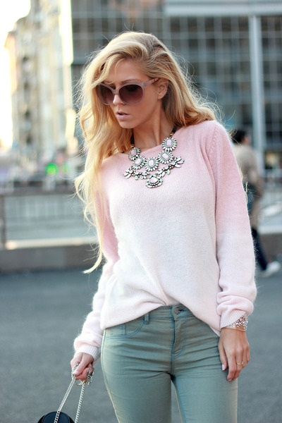 A Do: Lightweight Sweater | Image Credit:  chictopia.com